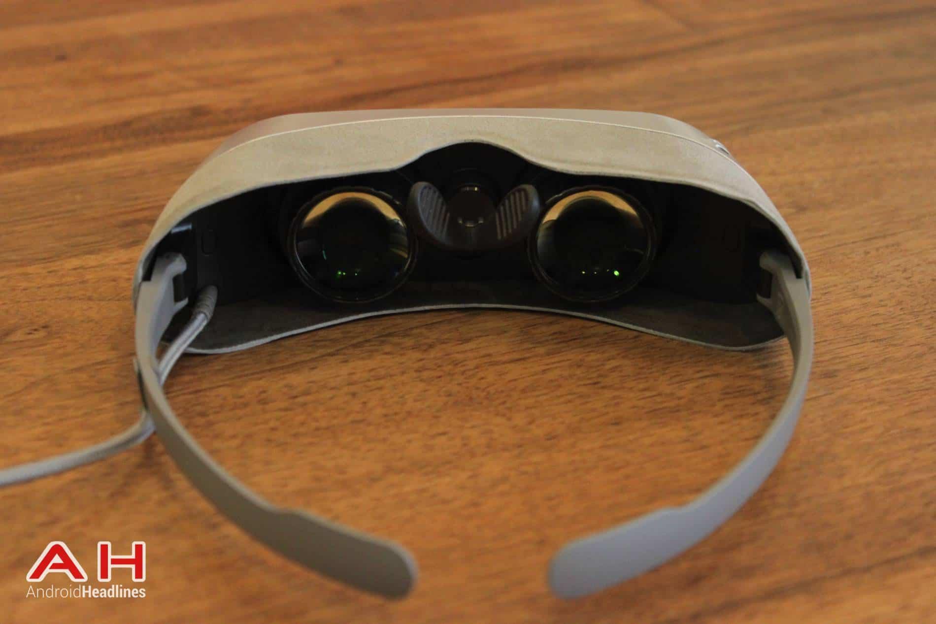 LG G5 VR Headset MWC AH 04