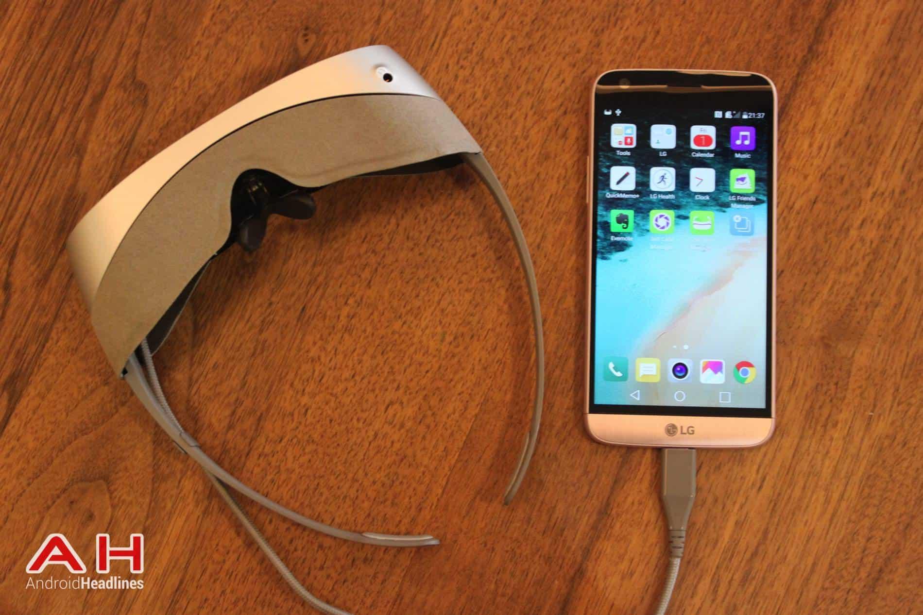 LG G5 VR Headset MWC AH 06