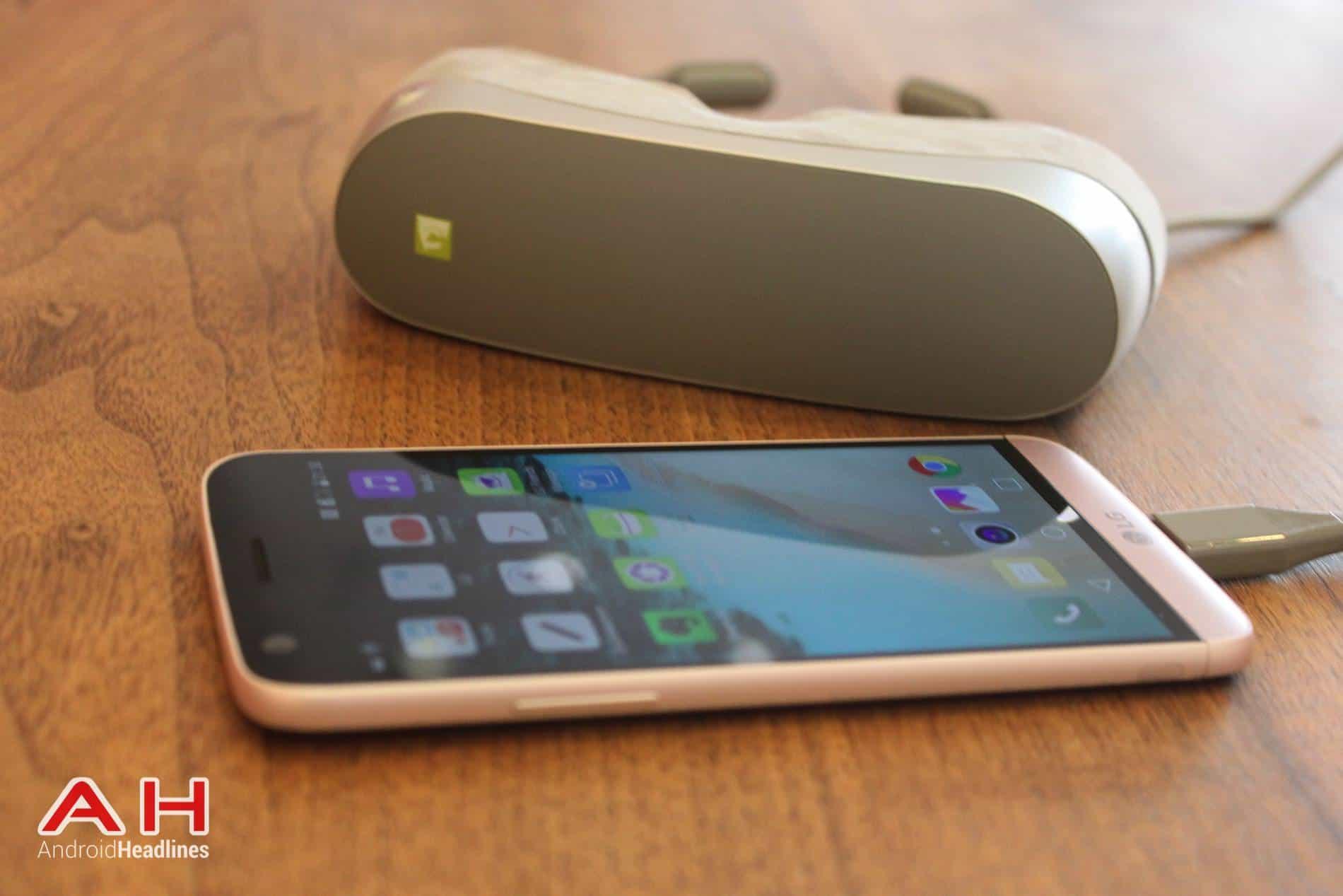 LG G5 VR Headset MWC AH 08