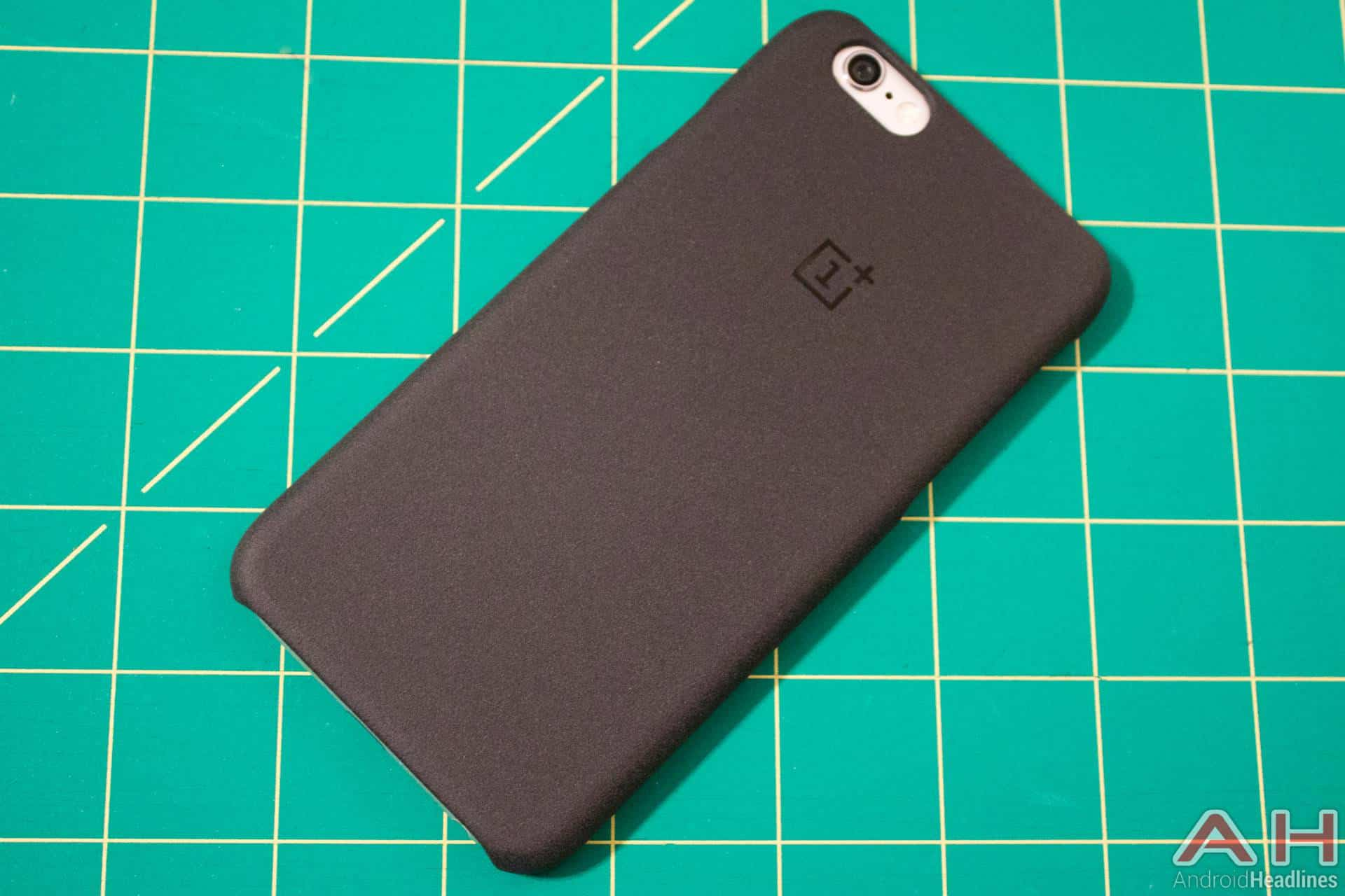 OnePlus-iPhone-Case-AH-NS-01