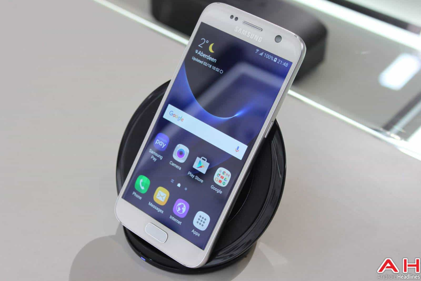 Samsung Galaxy S7 & Edge Wireless Charger AH-1