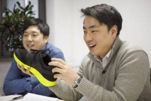 Samung IOFIT Shoes 01