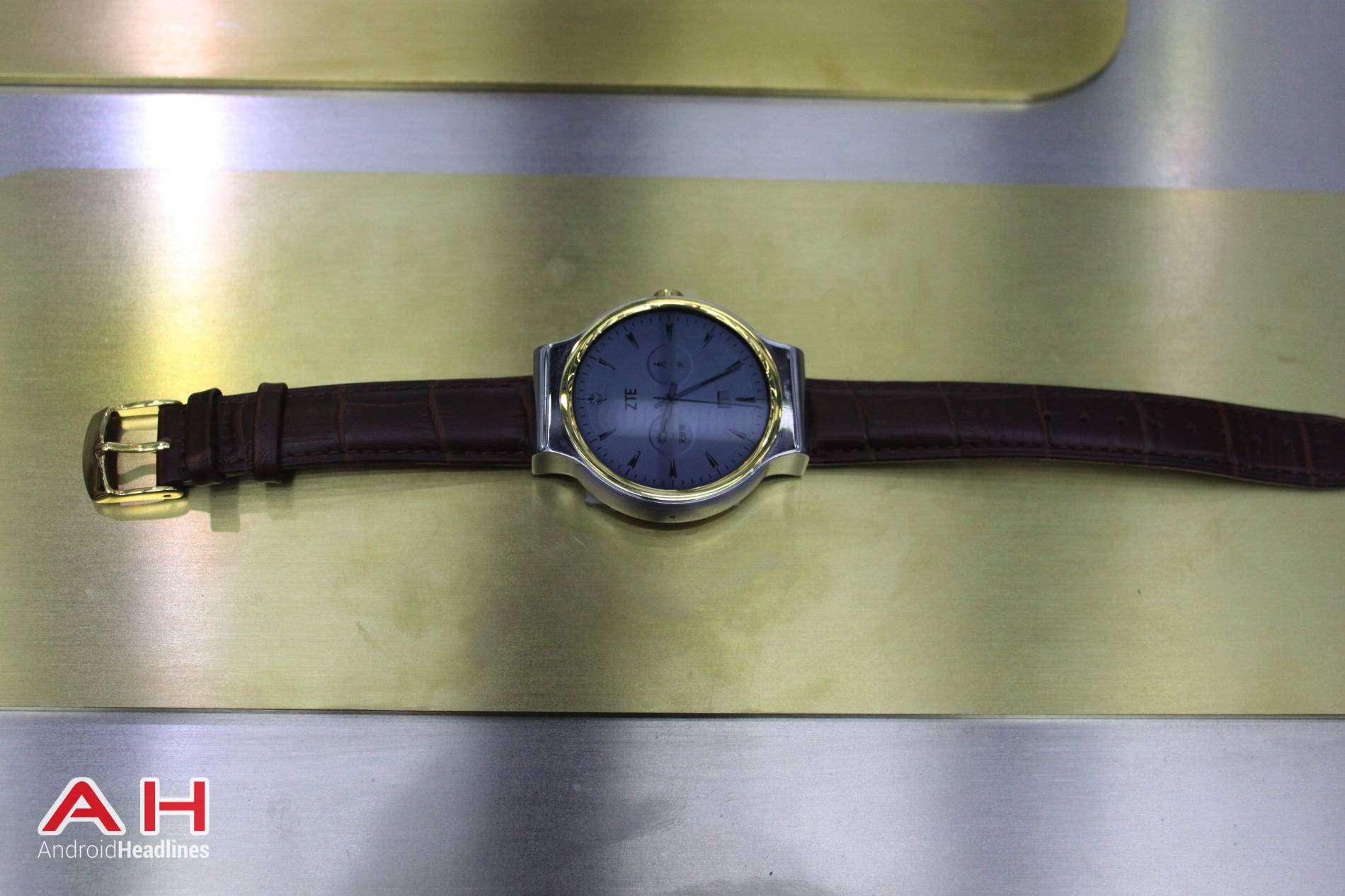 ZTE Axon Watch MWC AH 03