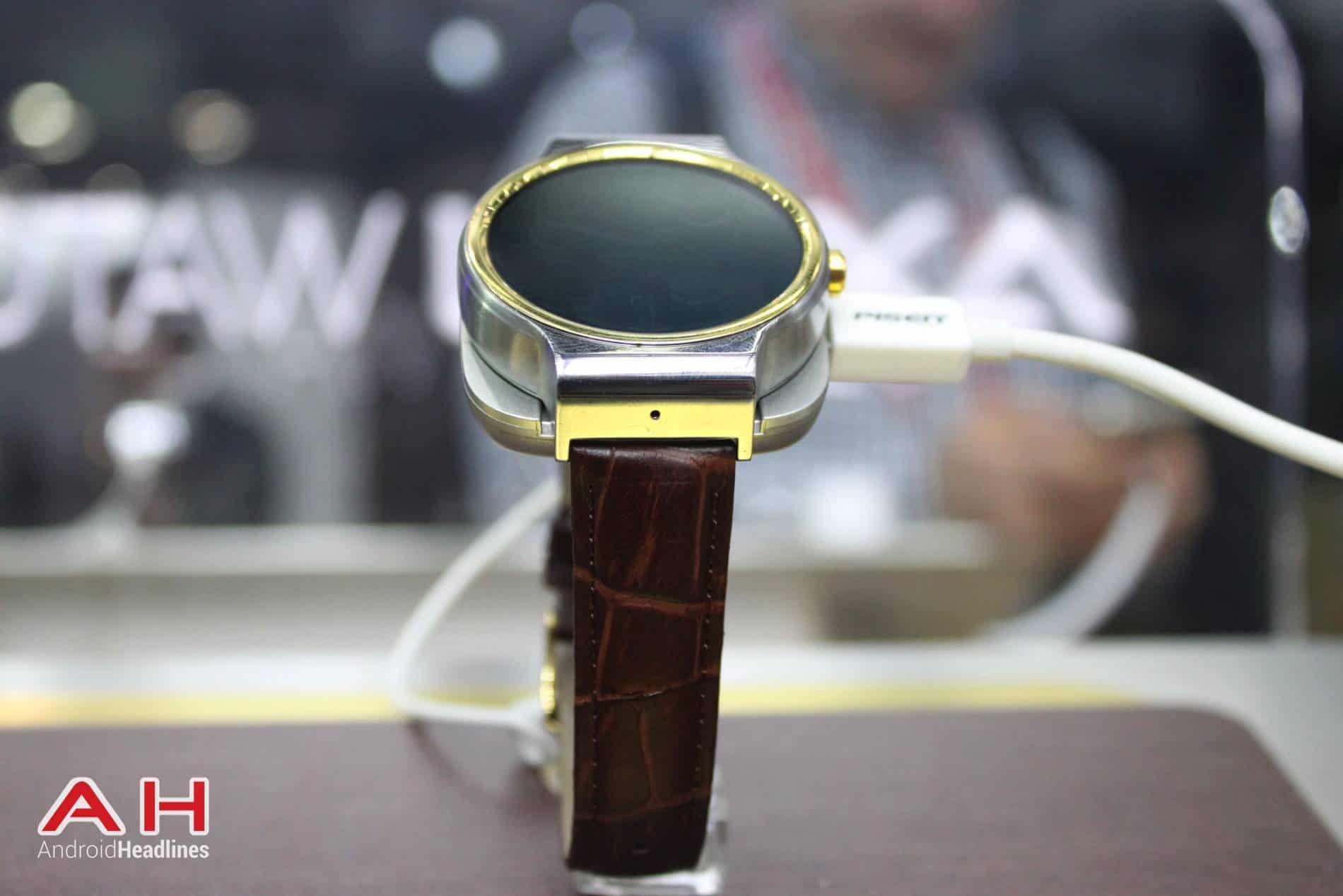 ZTE Axon Watch MWC AH 10
