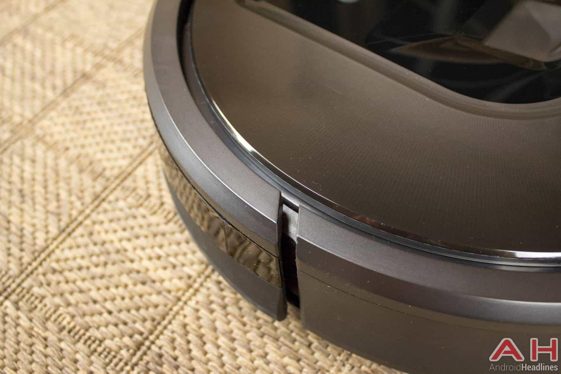 iRobot Roomba 980 AH NS bump out