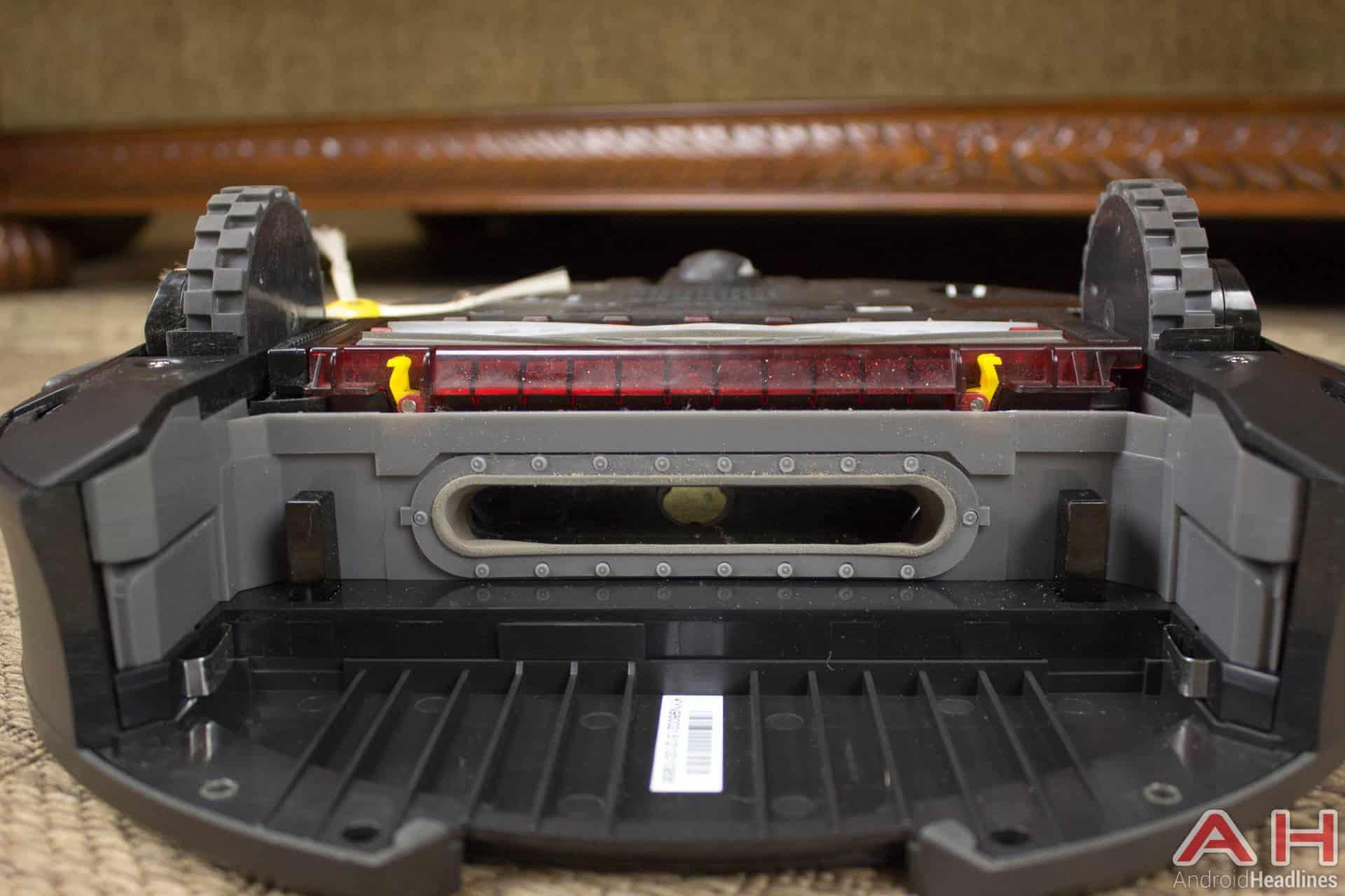 iRobot Roomba 980 AH NS inside