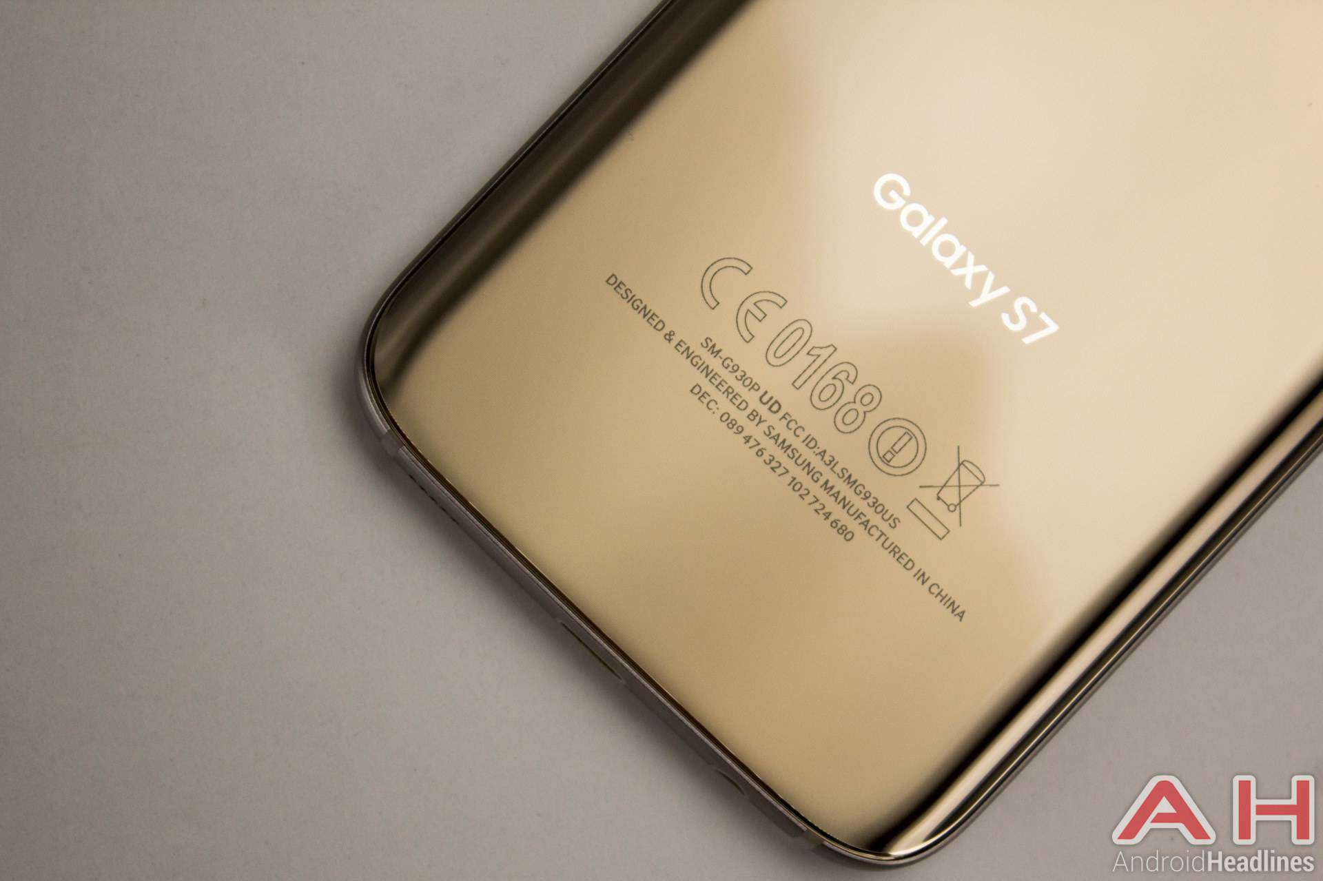 Samsung Galaxy S7 AH NS gold logo