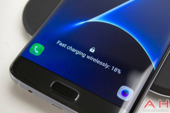 Samsung-Galaxy-S7-Edge-Wireless-Charging-2