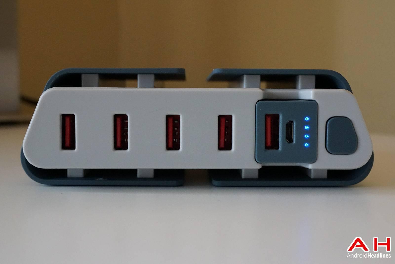 TYLT-ENERGI-Desktop-Charging-Station-AH-00156