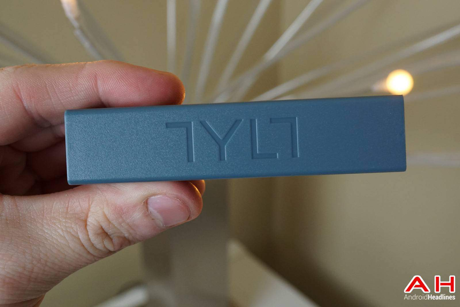 TYLT-ENERGI-Desktop-Charging-Station-AH-00162