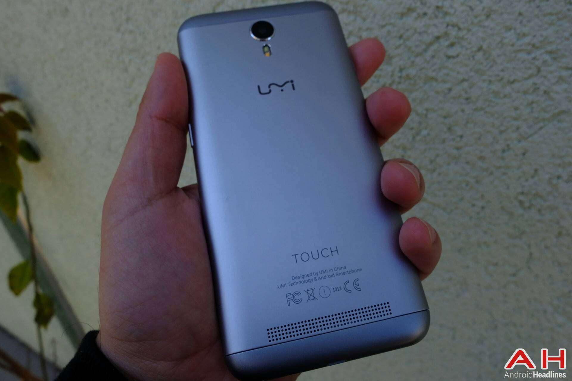 AH UMi Touch review specs_2