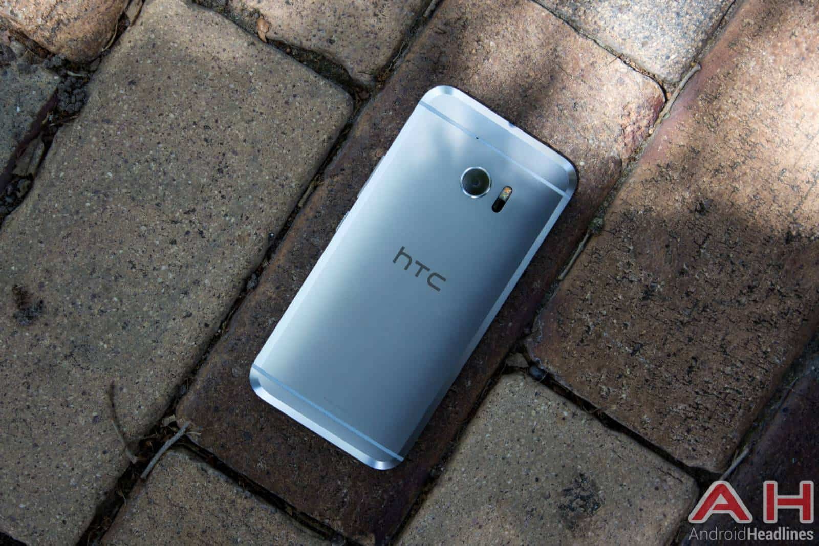 HTC 10 Android Nougat Update Halted Again In Europe | Androidheadlines ...