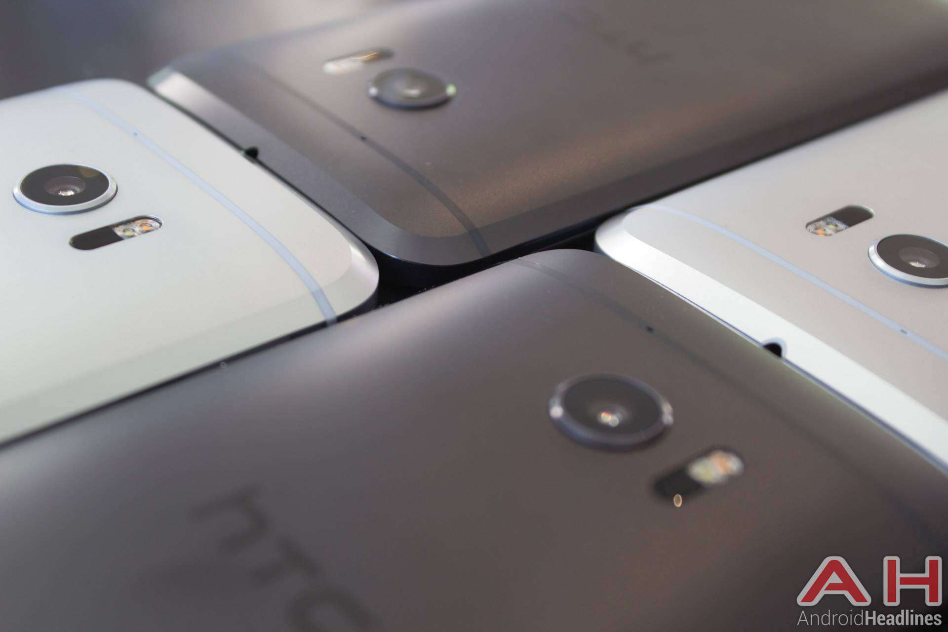 HTC 10 Hands On Multiple AH 8