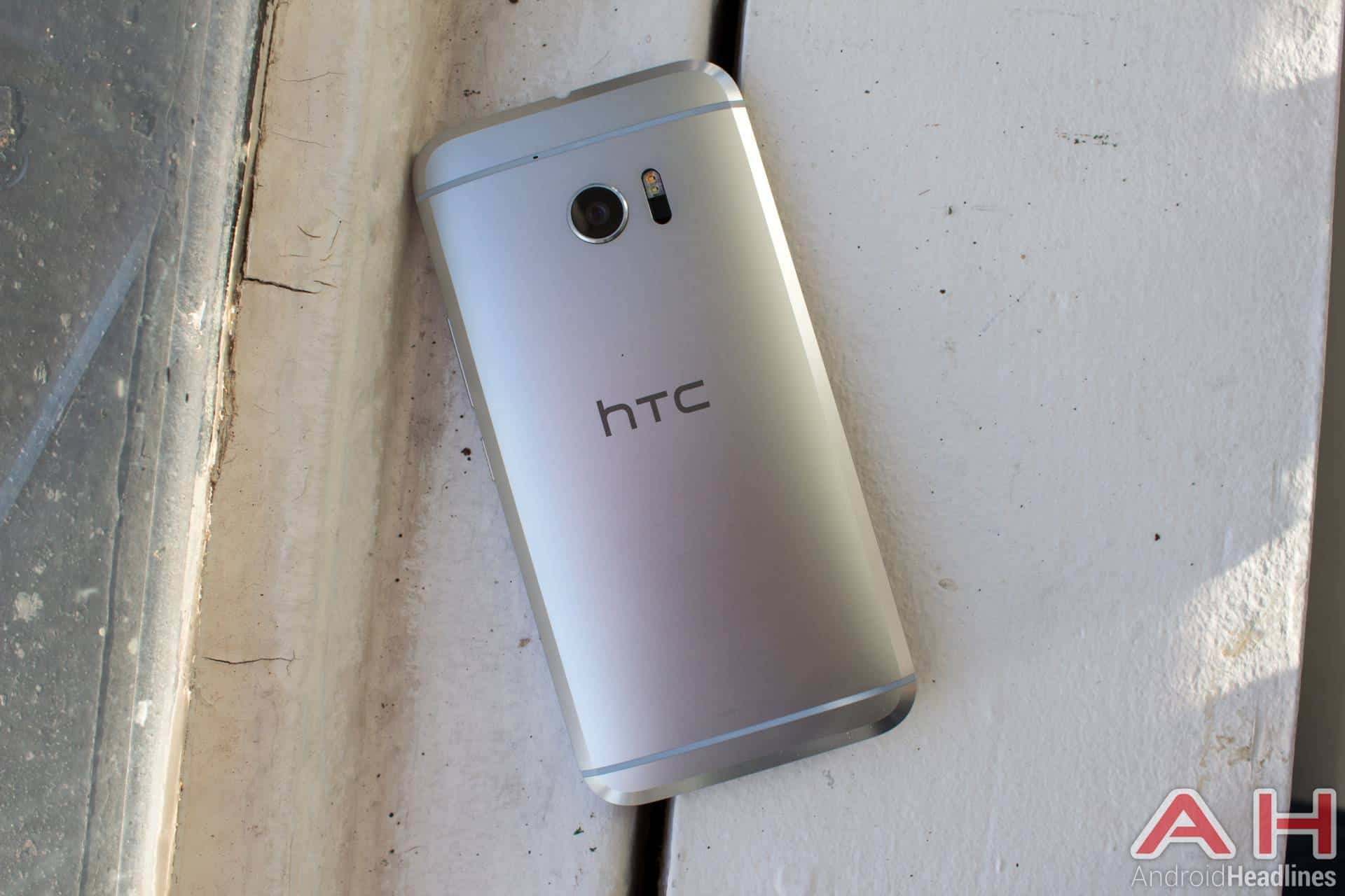 HTC 10 Hands On Silver AH 3