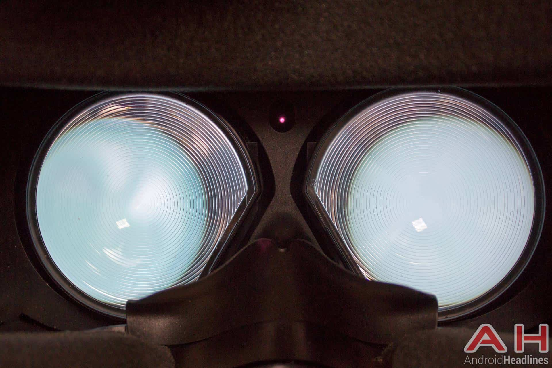 HTC-Vive-AH-NS-display-lens