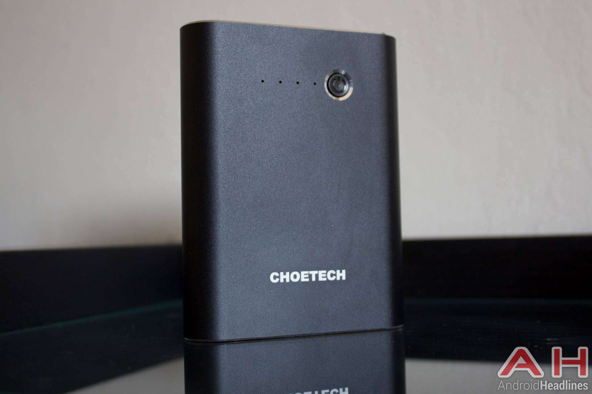 Choetech-Quickcharge-3-Portable-Battery-AH-NS-04