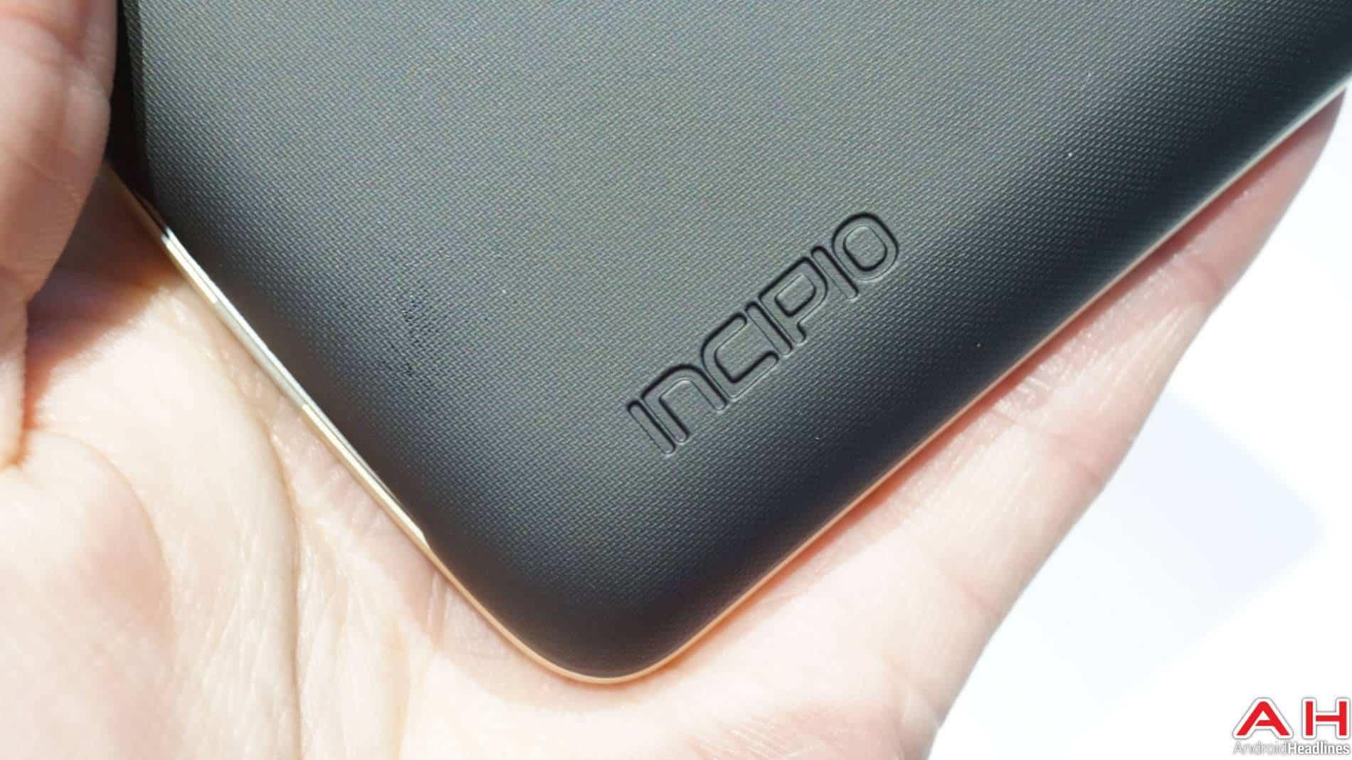 Incipio Moto Mods Lenovo Hands On AH 5 5