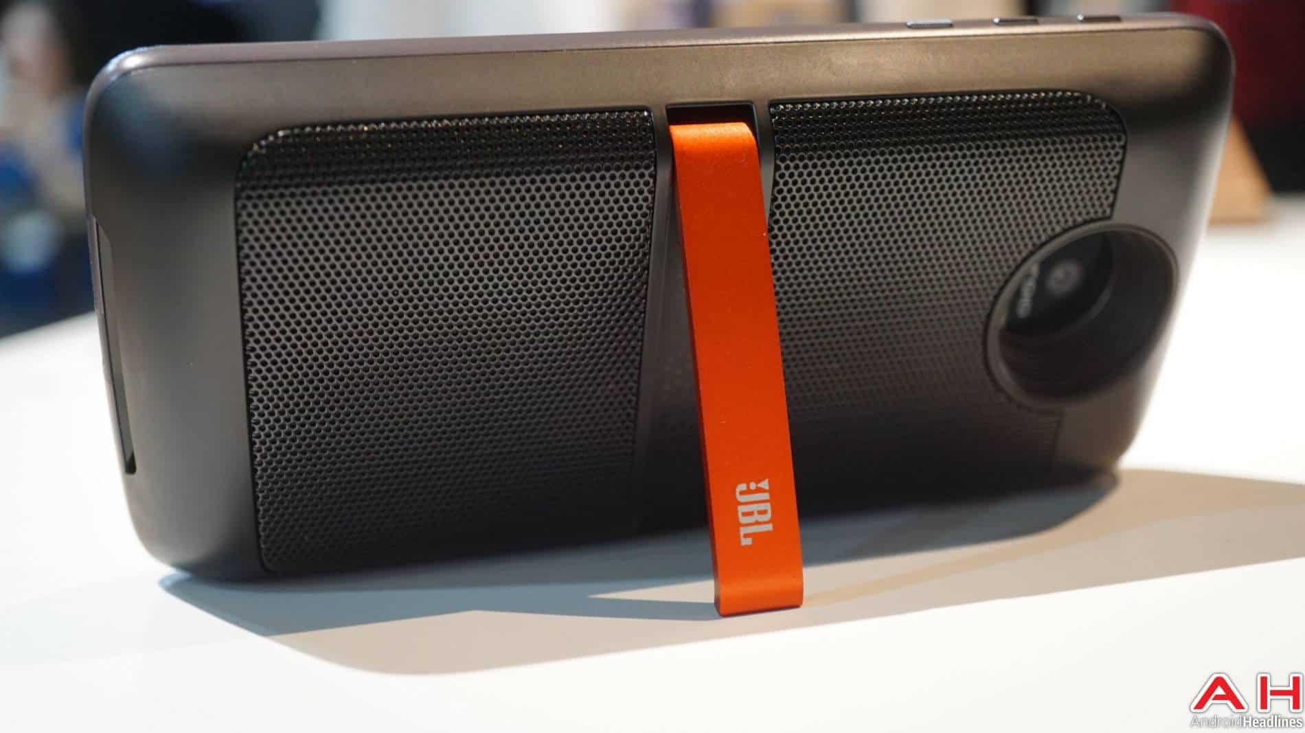 JBL Moto Mods Lenovo Hands On AH 3 5