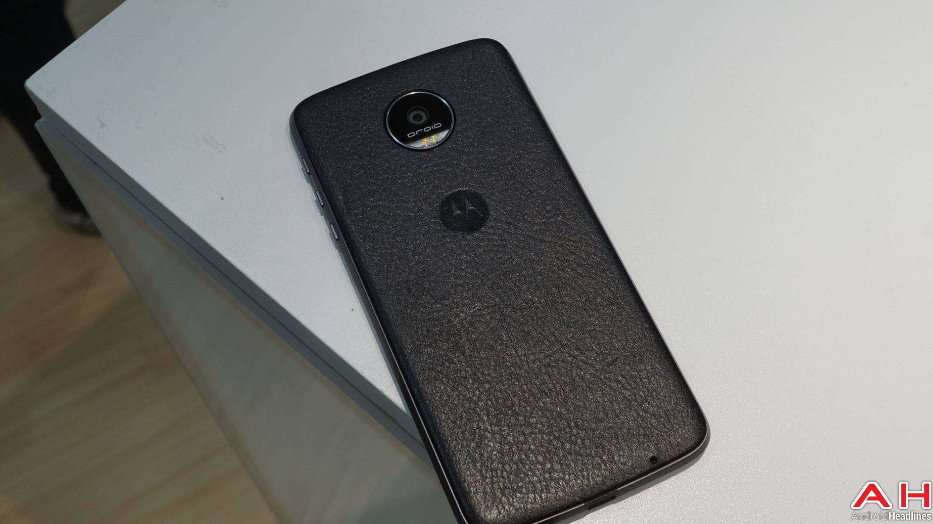 Lenovo Moto Z DROID Edition 2016 Hands On AH-7