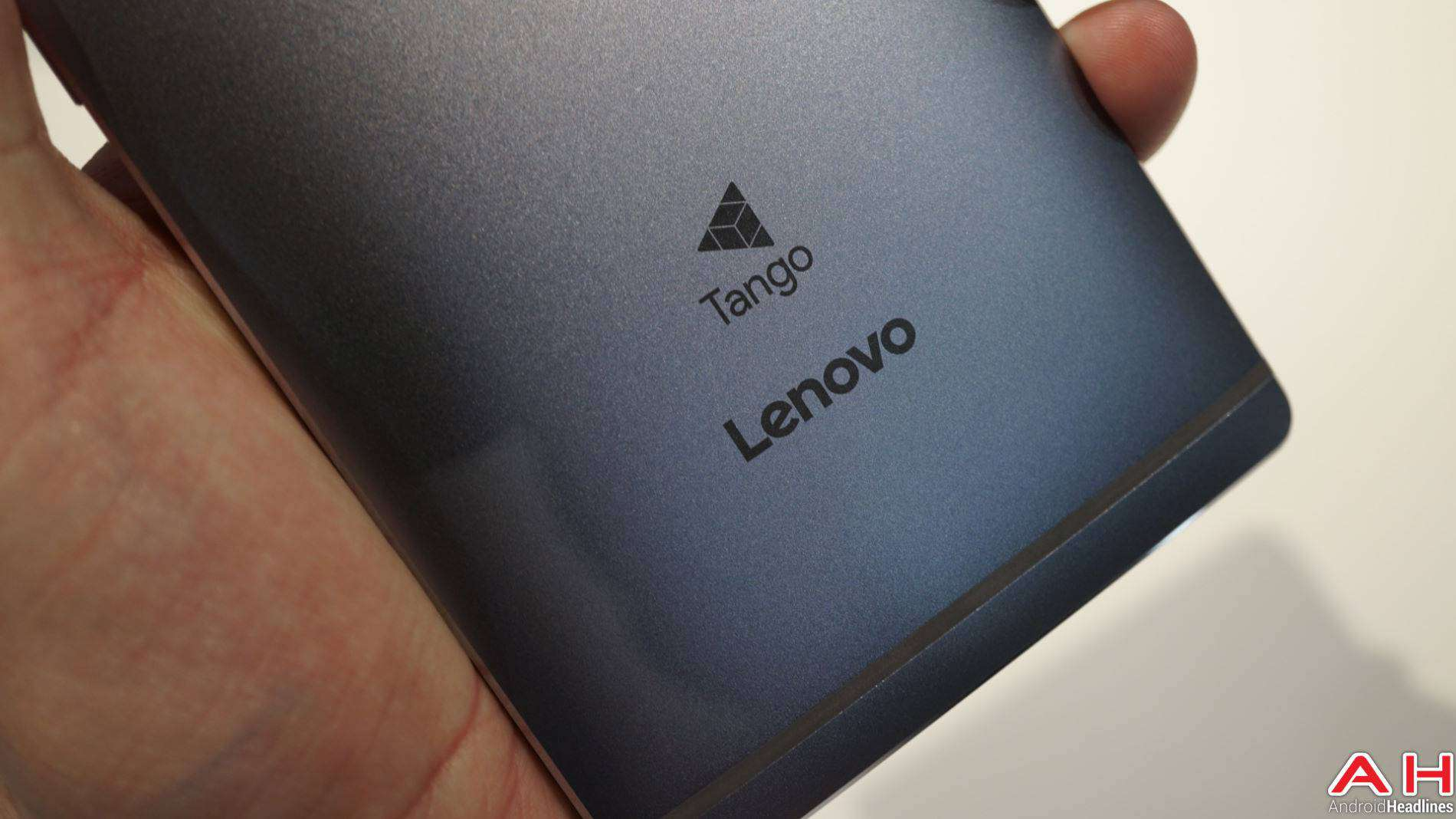 Lenovo Phab2 Pro Tango Hands On AH 1