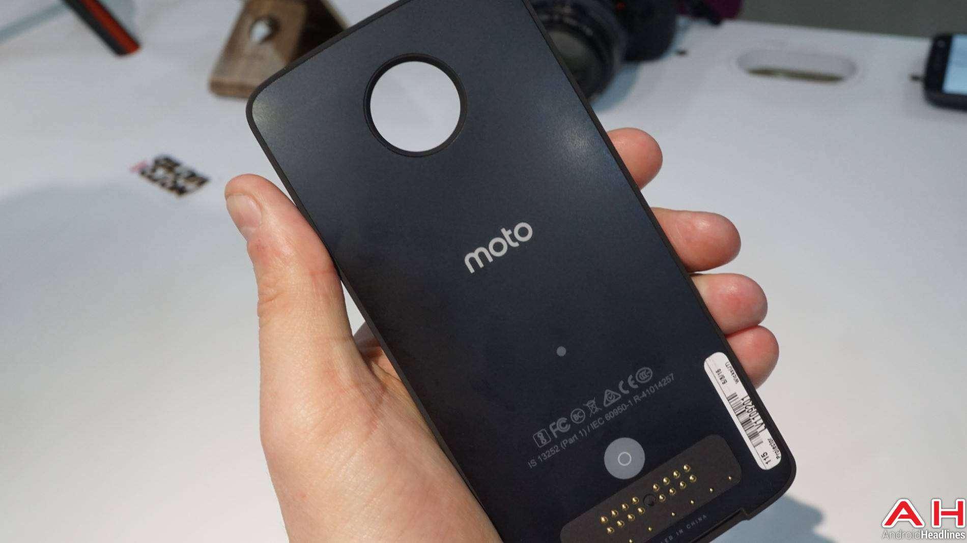 Moto Mods Lenovo Hands On AH 5 2