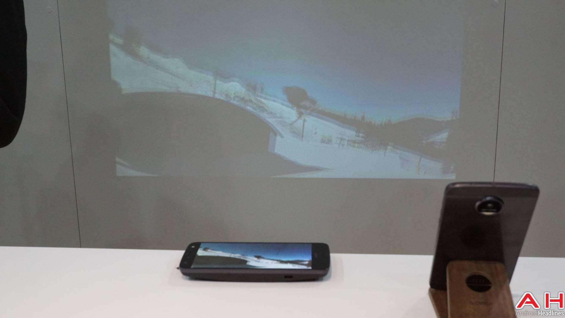 Moto Mods Lenovo Hands On AH 5 5