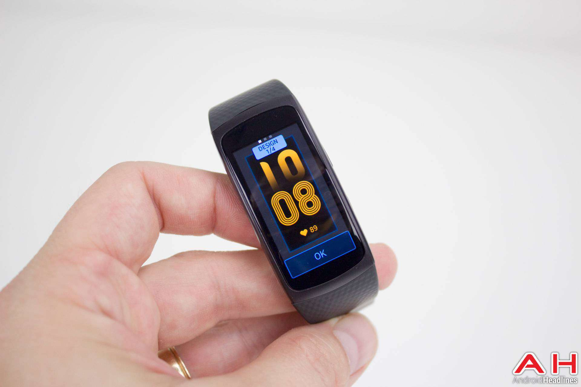 Samsung Gear Fit 2 AH NS 10