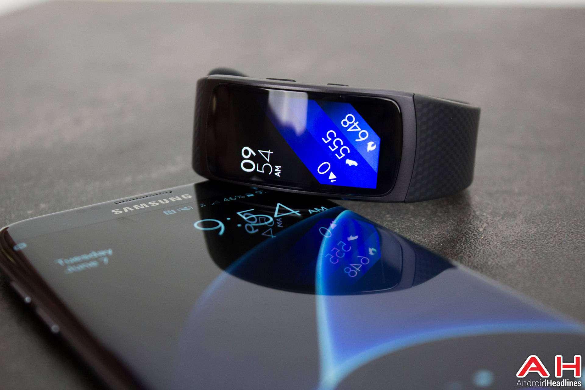 Samsung-Gear-Fit2-AH-NS-04