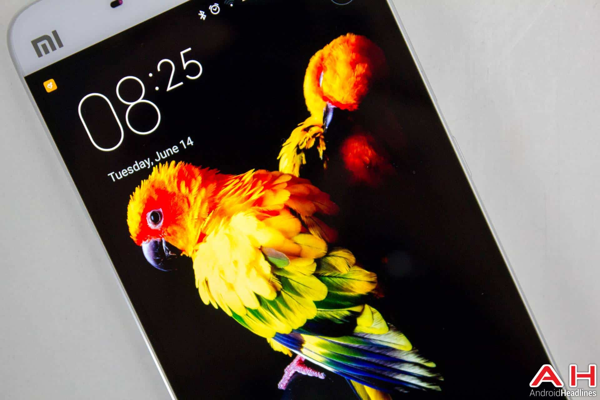 Xiaomi-Mi-5-AH-NS-display