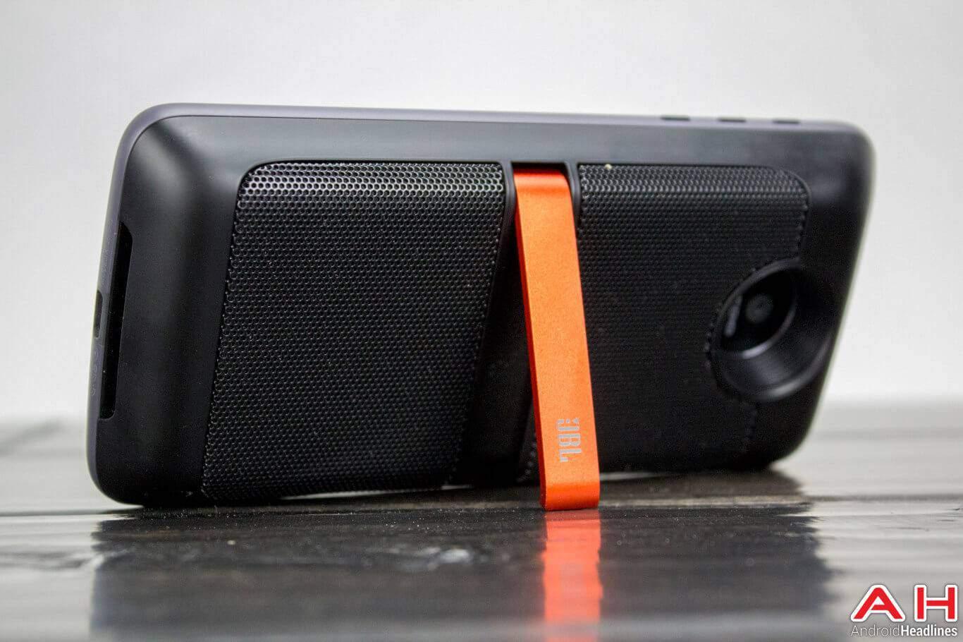 Lenovo Moto Z Mods JBL Soundboost 02