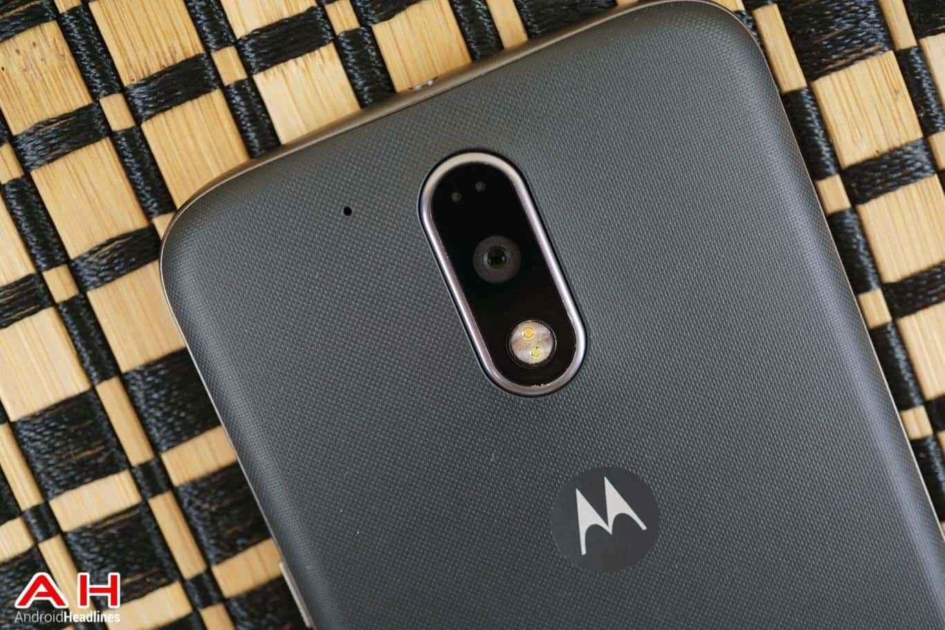Moto-G4-Plus-Review-AM-AH-12