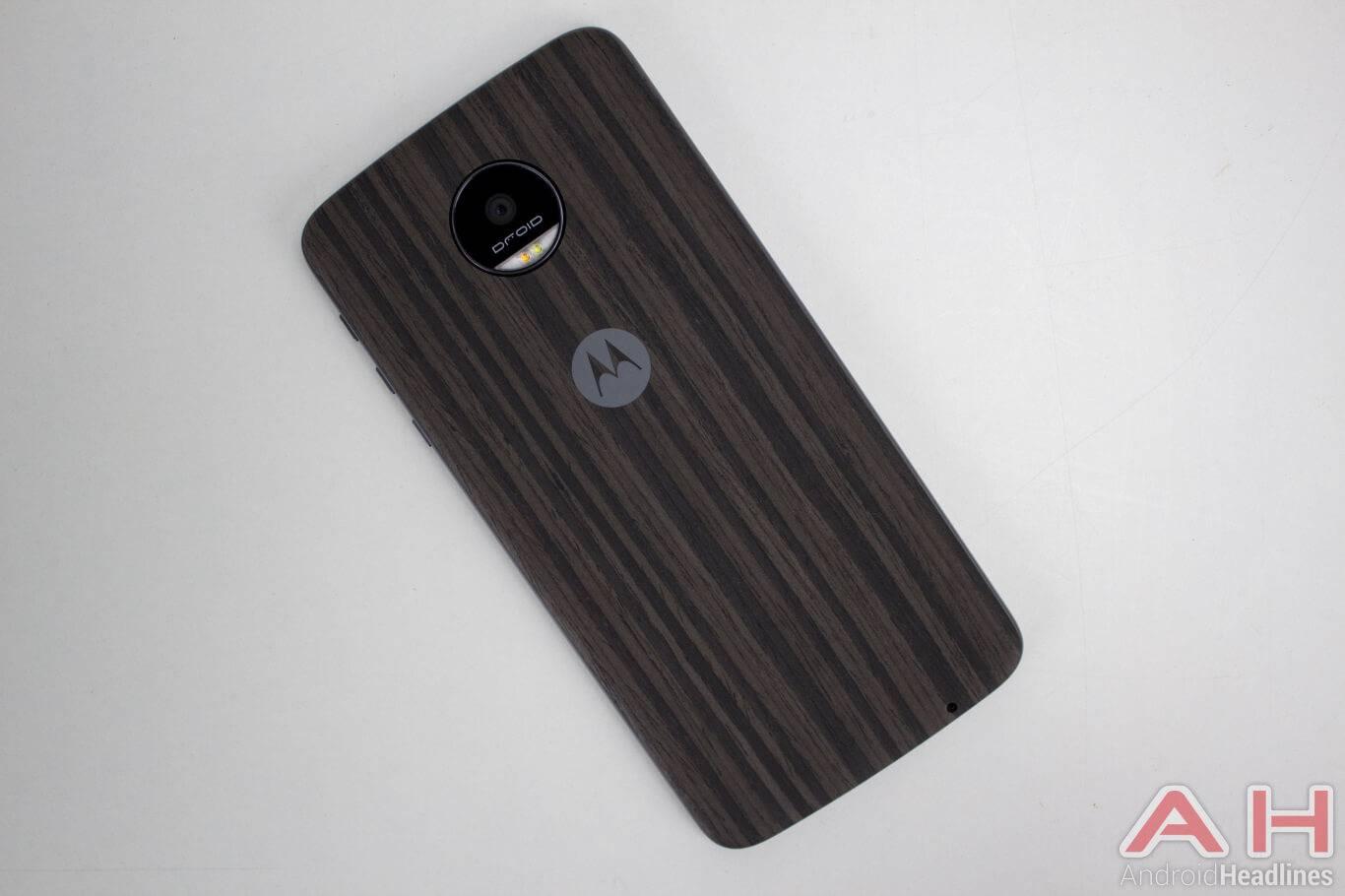 Motorola-Lenovo-Moto-Z-19-moto-style