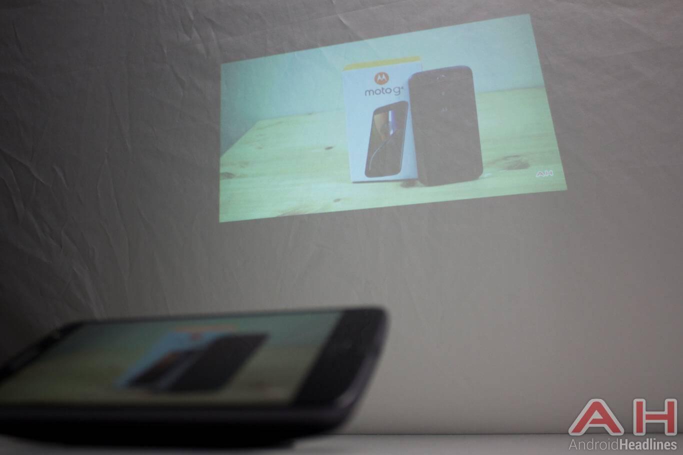 Motorola Lenovo Moto Z modular projector