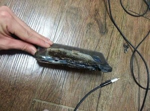 Galaxy Note 7 explodes 3