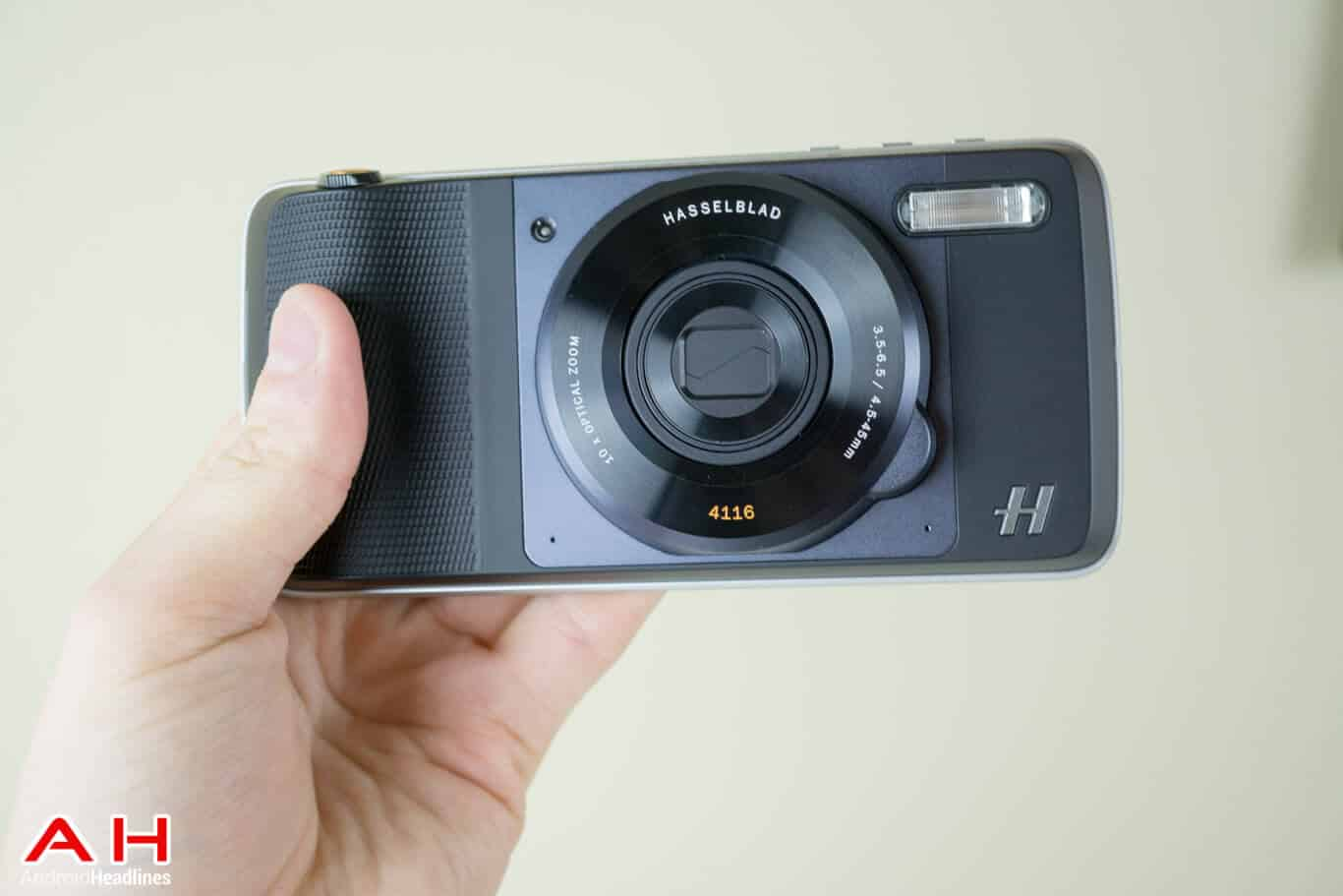 Hasselblad Camera Moto Mod Review AM AH 18