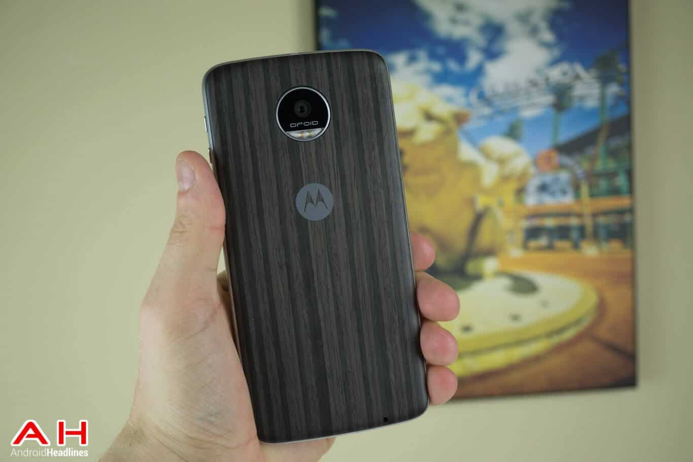 Moto Z Play Review AM AH 19