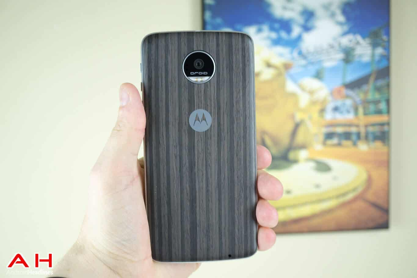 Moto Z Play Review AM AH 33