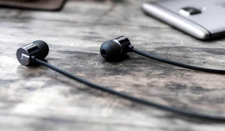 OnePlus Bullets V2 earphones 2