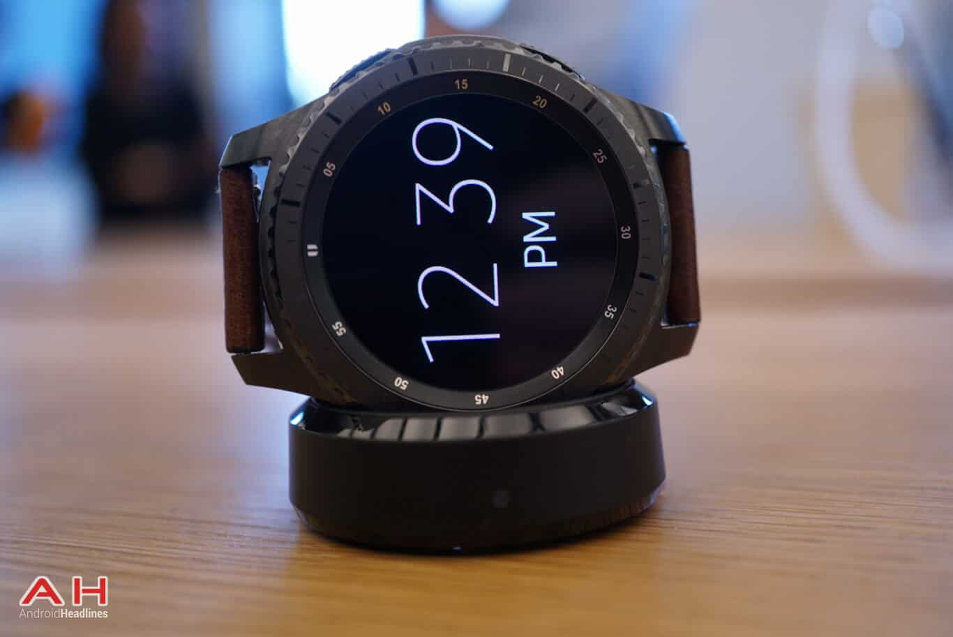 how to change time on samsung gear s3 frontier