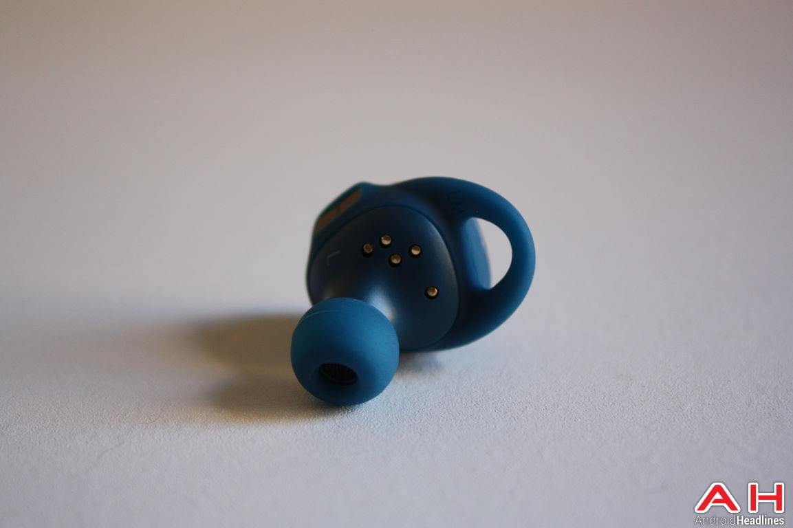 samsung-gear-iconx-bluetooth-earbuds-ah-120