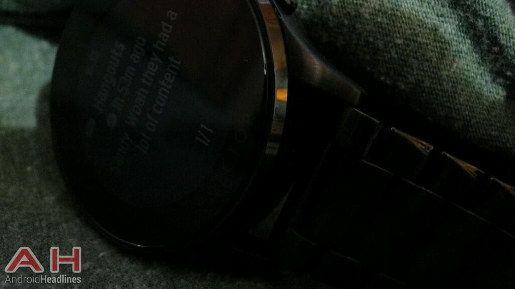AH Vector Watch Luna dark notification1