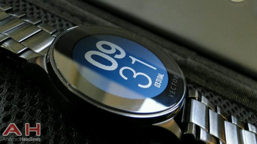 AH Vector Watch Luna digital face edge