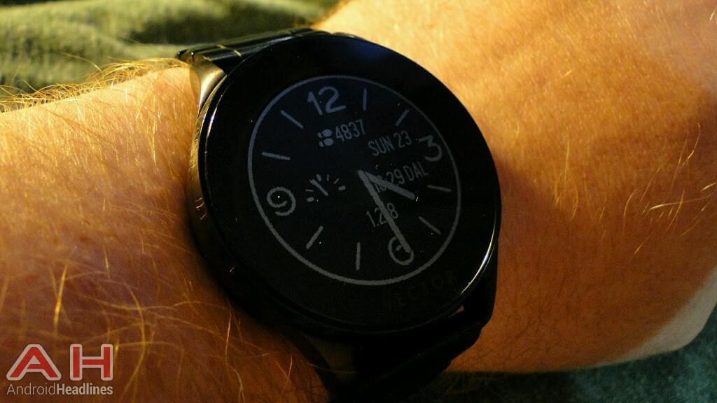 ah_vector_watch_luna_wrist_notification_1_