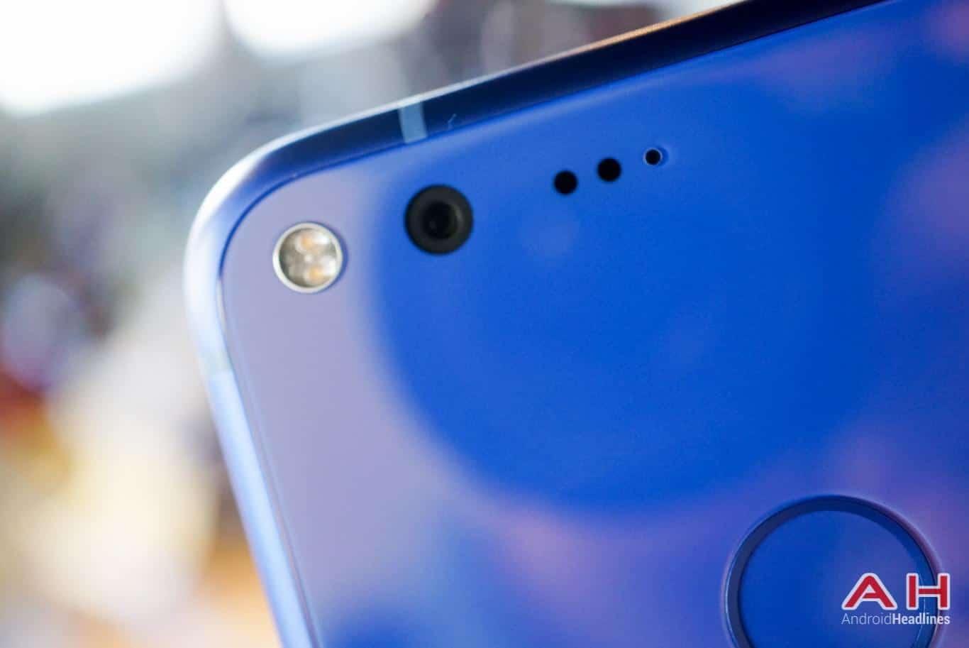 Google Pixel XL Hands On AH 24
