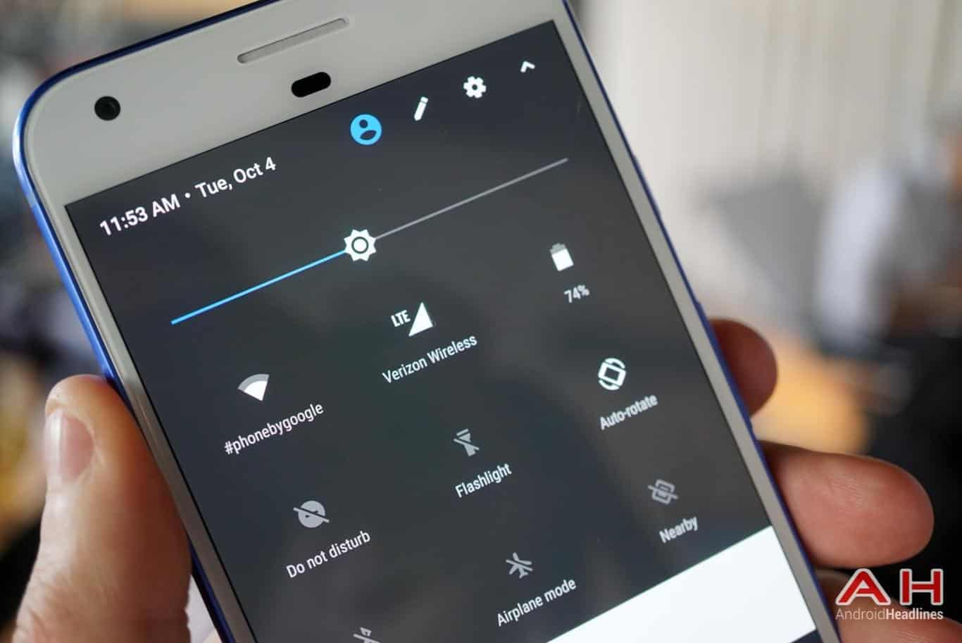 Google Pixel XL Hands On AH 27