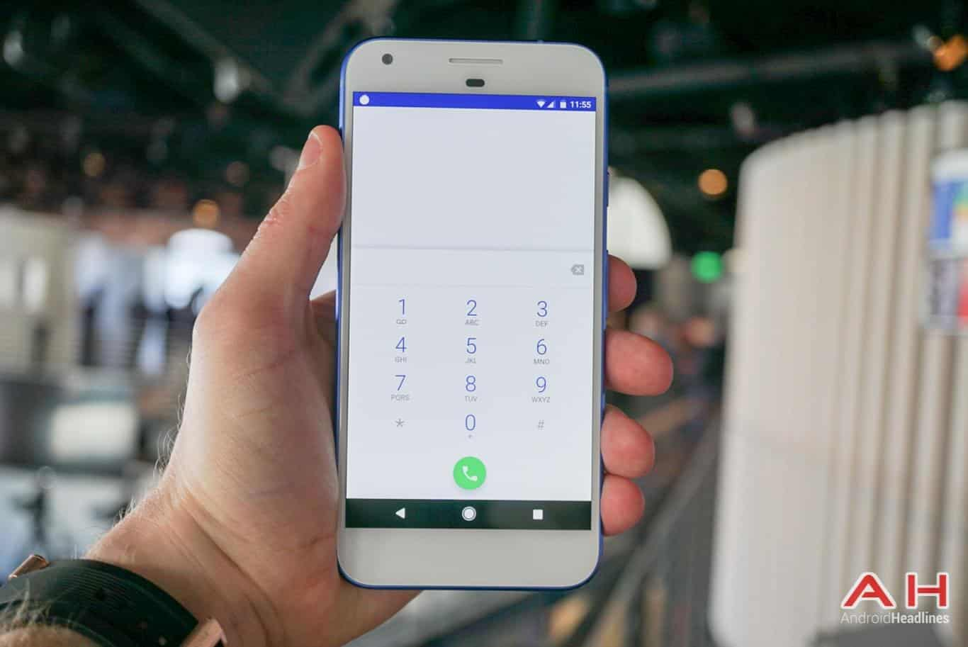 Google Pixel XL Hands On AH 33