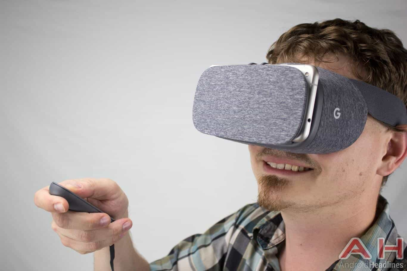 google-daydream-view-vr-ah-ns-pose