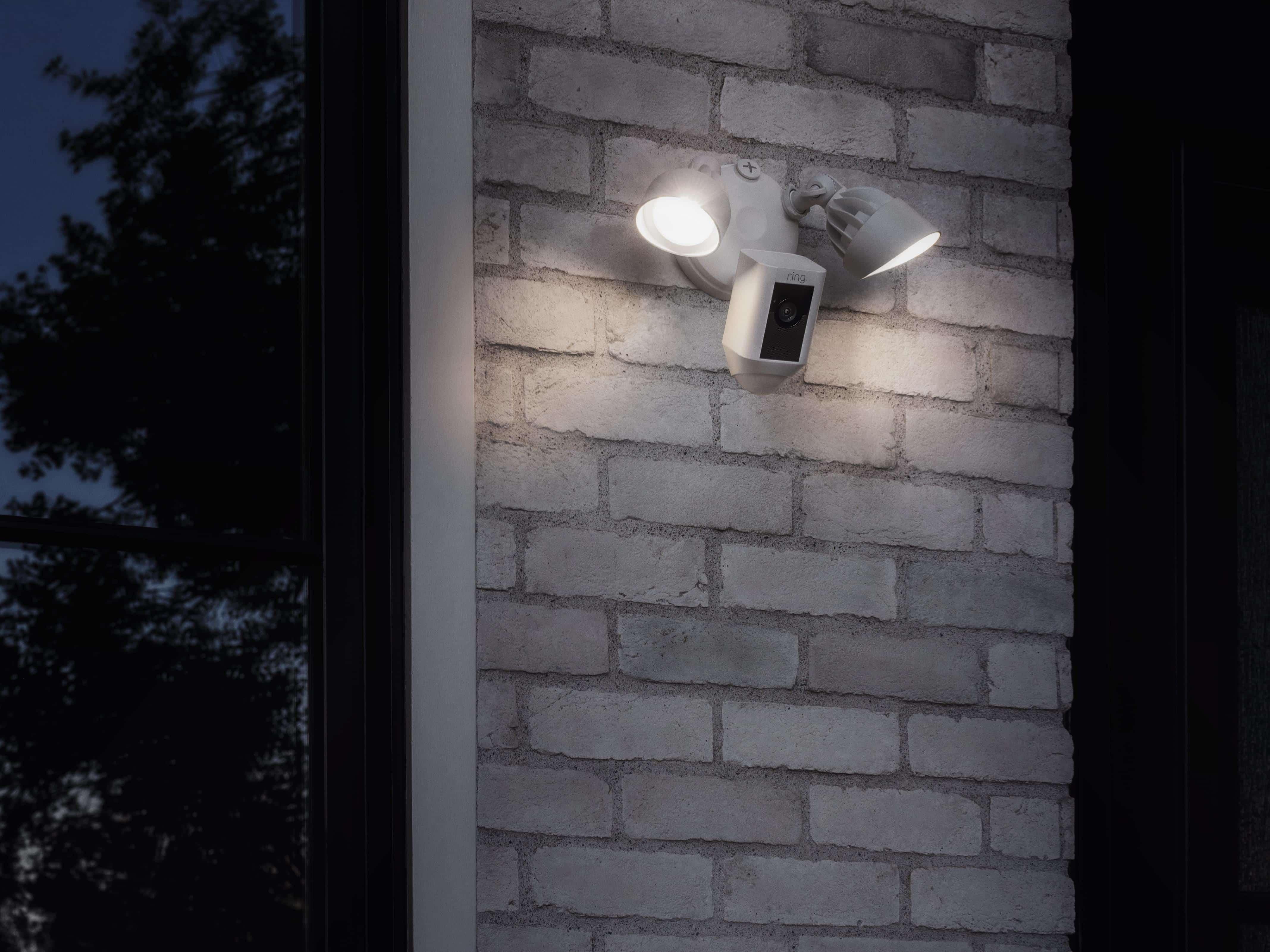 Ring Floodlight Cam 7