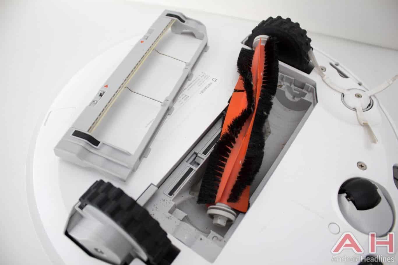 Xiaomi Mi Robot Vacuum AH NS roller brush bottom
