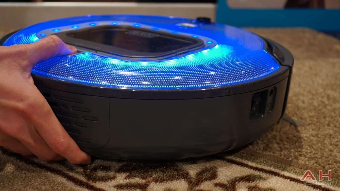 ces 2017: hands-on with the black & decker smartech robot vacuum